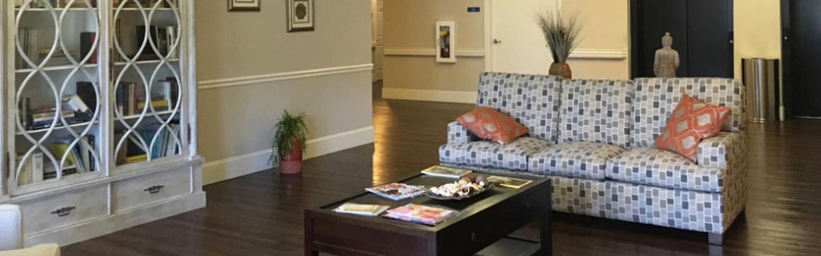 Vantage Pointe Village | Sitting room